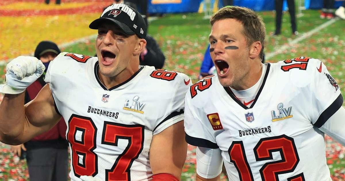 Patriots send message Tom Brady Rob Gronkowski winning Super Bowl Buccaneers