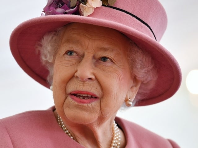 Queen Elizabeth to Give Televised Address Hours Before Prince Harry and Meghan Markle's Oprah Interview