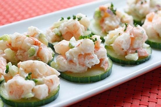 shrimp-salad-on-cucumbers