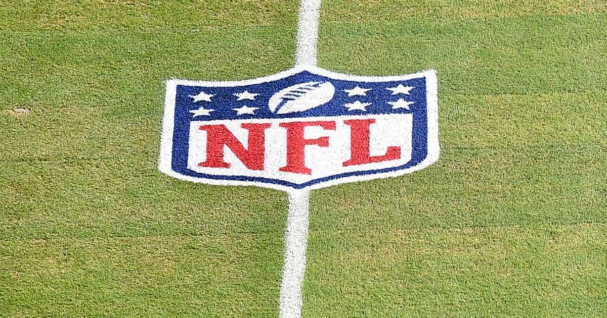 Terez Paylor Yahoo Sports NFL dead 37