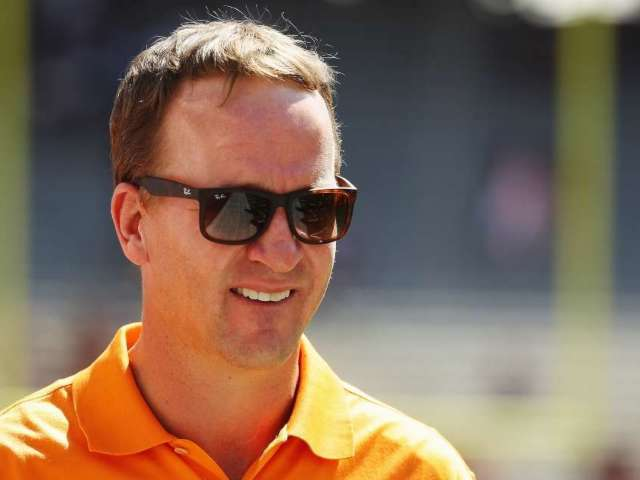Arch Manning, Nephew of Peyton and Eli Manning, Earns Scholarship Offer From Tennessee