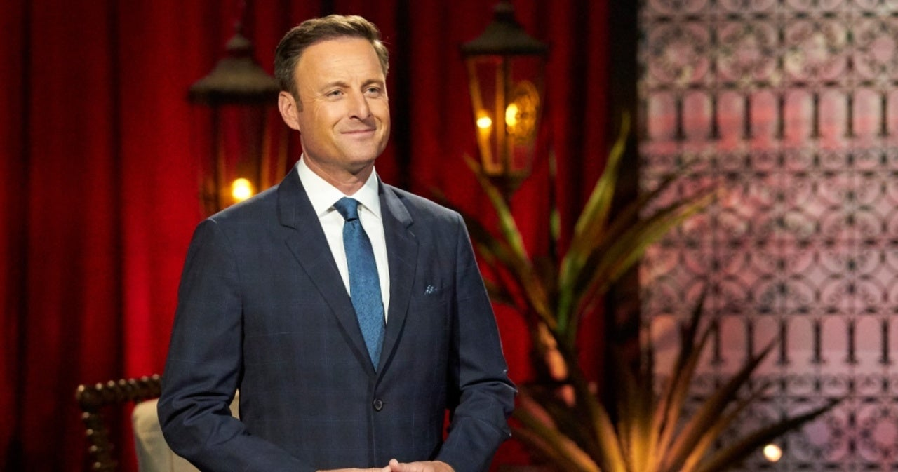 'Bachelor' Host Chris Harrison Earns Praise for 'Sincere' Apology Over Racism Controversy.jpg