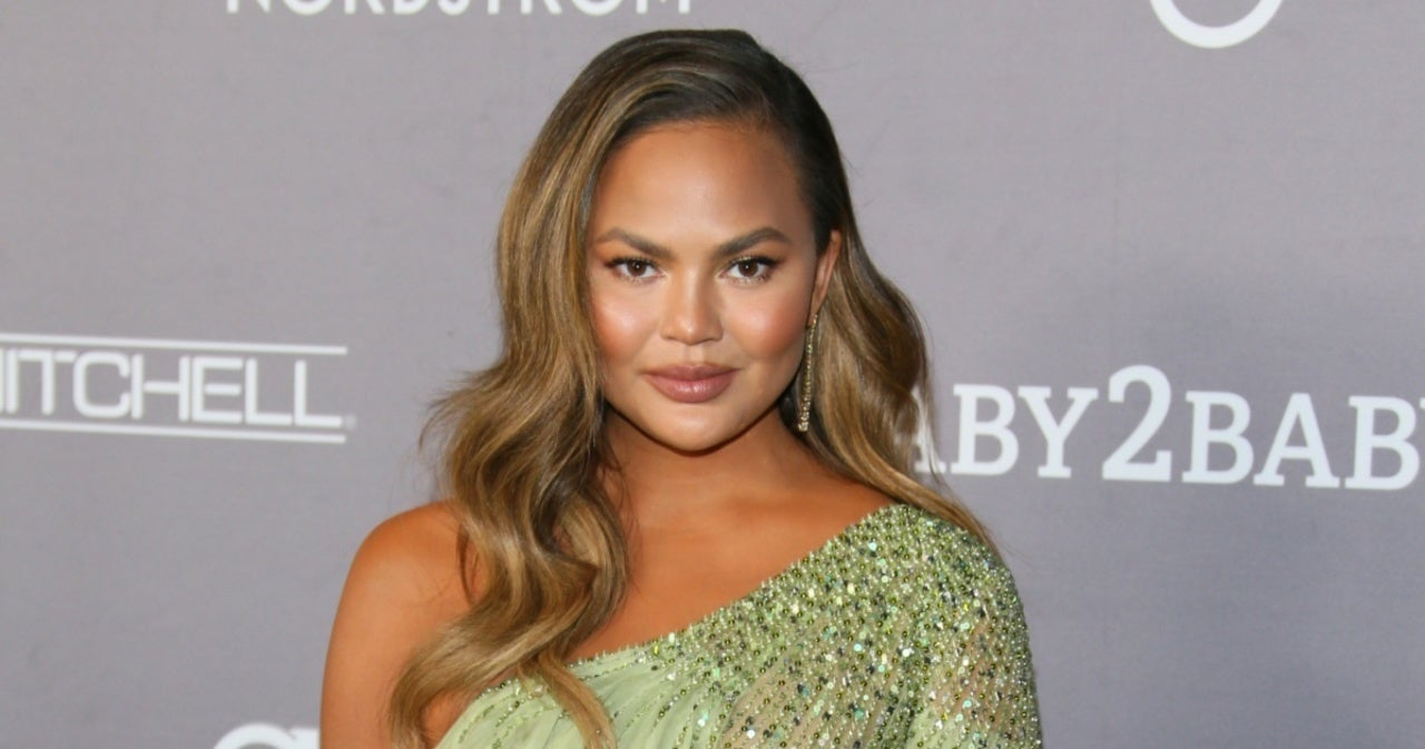 Chrissy Teigen Reflects on Her Time as Hooter's Waitress.jpg