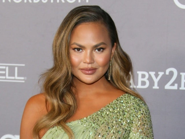 Chrissy Teigen Returns to Twitter After Nearly 1 Month