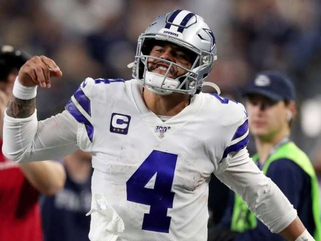 Dak Prescott Reacts to Signing Record-Breaking Contract With Cowboys