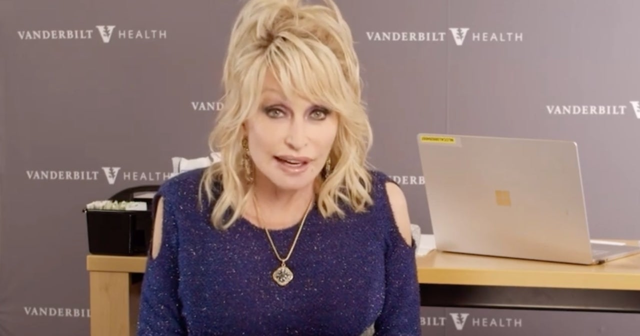Dolly Parton Has a Message for 'Cowards' Who Won't Get COVID-19 Vaccines.jpg