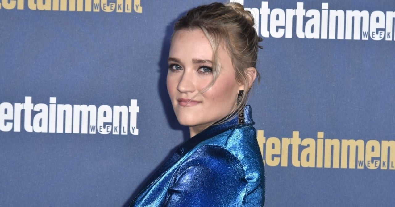 'Hannah Montana' Alum Emily Osment to Star in New Netflix Comedy Series.jpg