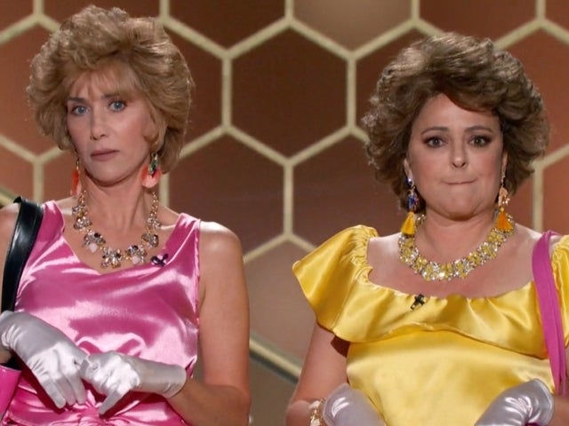 Golden Globes: Kristen Wiig and Annie Mumolo Reprise 'Barb and Star' Characters and Social Media Loses It