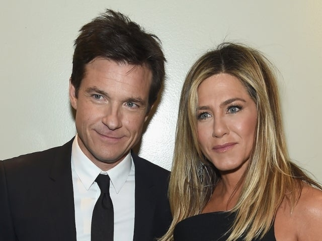 Jennifer Aniston Reveals She Let Jason Bateman Use Her House as His Golden Globes Background