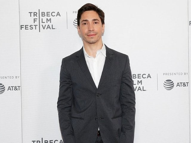 Justin Long Gets Roasted for Switching to PC From Mac, But Here's the Real Kicker