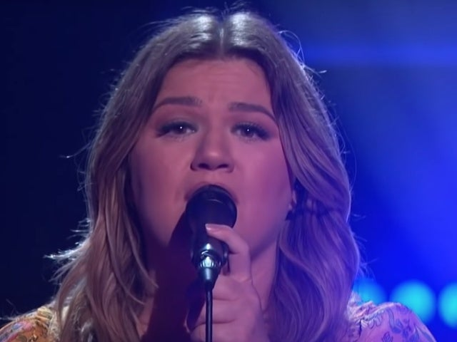 Kelly Clarkson Covers Trisha Yearwood's 'Walkaway Joe' at Matthew McConaughey's Request