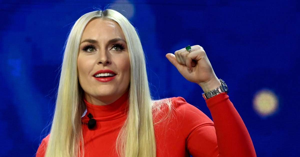 Lindsey Vonn hits slopes Hugh Jackman sing together