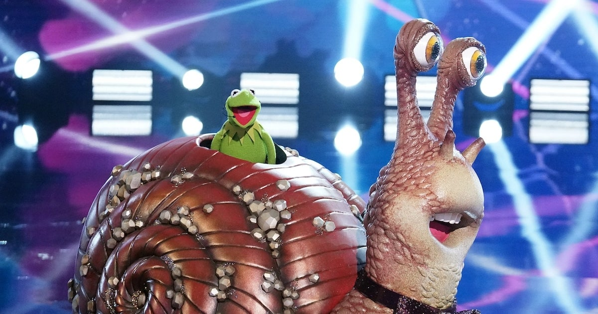 masked-singer-snail-kermit-the-frog-Michael-Becker-FOX
