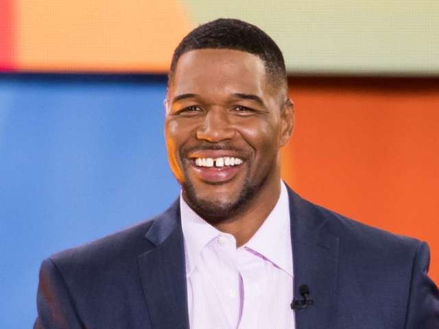 Michael Strahan's Removal of Signature Gap Draws Wild Reactions on Social Media