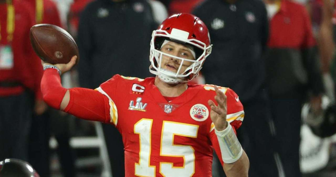 Patrick Mahomes Gets Shoutout From Drake, and His Reaction Is Perfect.jpg