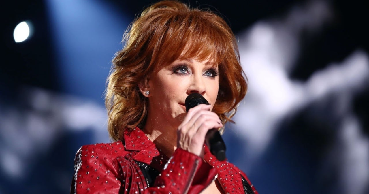 Reba McEntire Says Her Band and Crew's Death in a Plane Crash Made Her 'Focus on Day by Day'.jpg