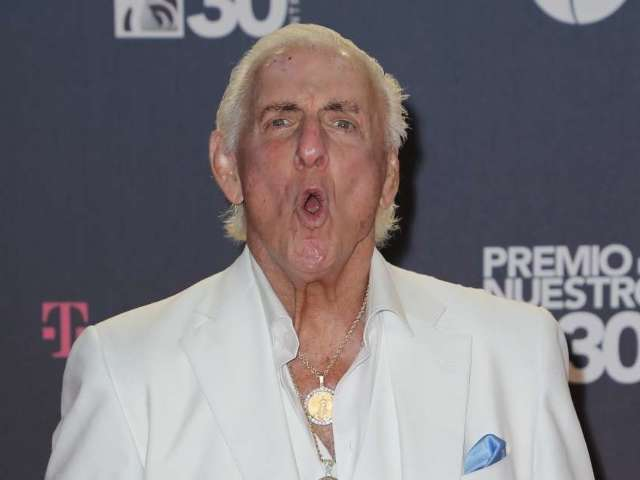 Ric Flair Looking to Get Back in the Ring 1 More Time for WWE