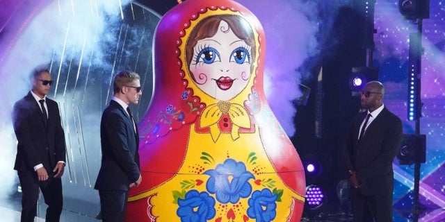 the-masked-singer-season-5-russian-doll