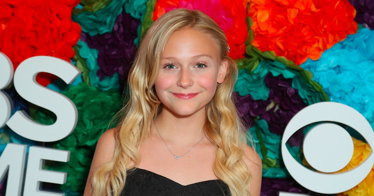 the-young-and-the-restless-alyvia-alyn-lind-faith-newman