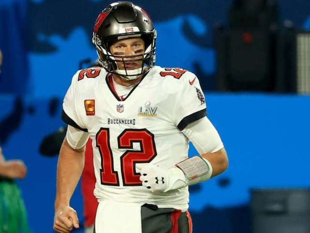 Tom Brady Agrees to New Contract With Buccaneers