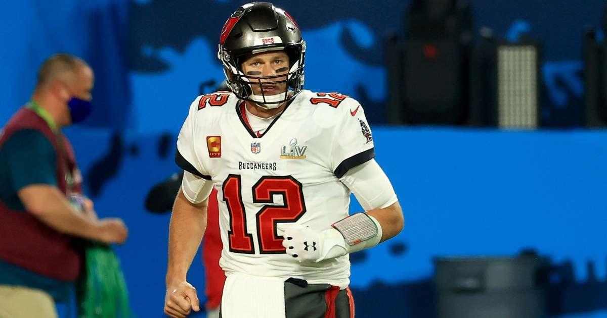 Tom Brady agrees new contract Buccaneers
