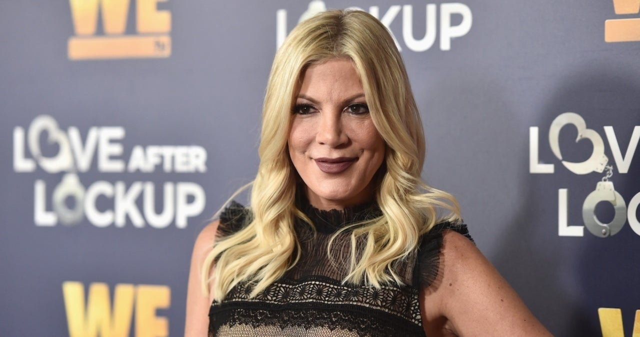 Tori Spelling Receives Backlash for Alleged Pregnancy Photo on April Fools' Day