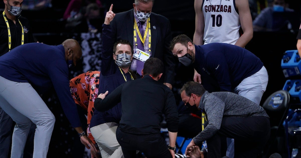 usc-gonzaga-referee-collapses