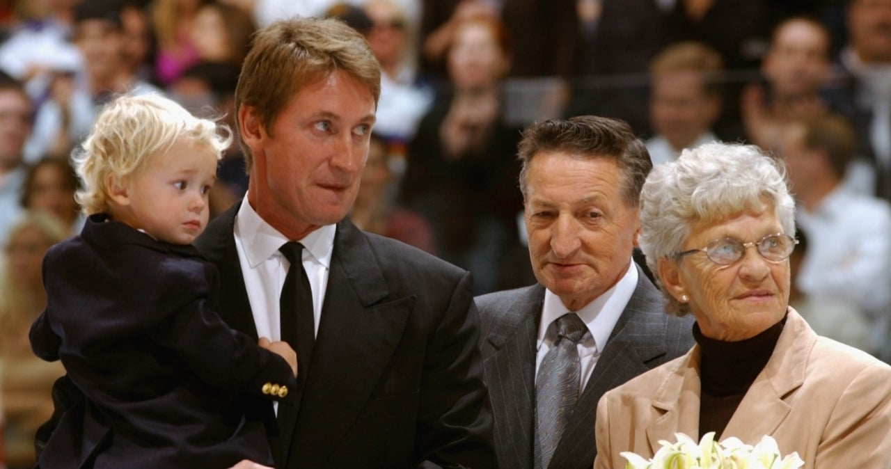 Walter Gretzky, Hockey Legend Wayne's Beloved Father, Dead at 82.jpg