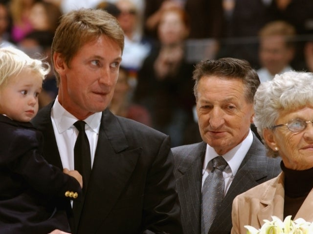Walter Gretzky, Hockey Legend Wayne's Beloved Father, Dead at 82