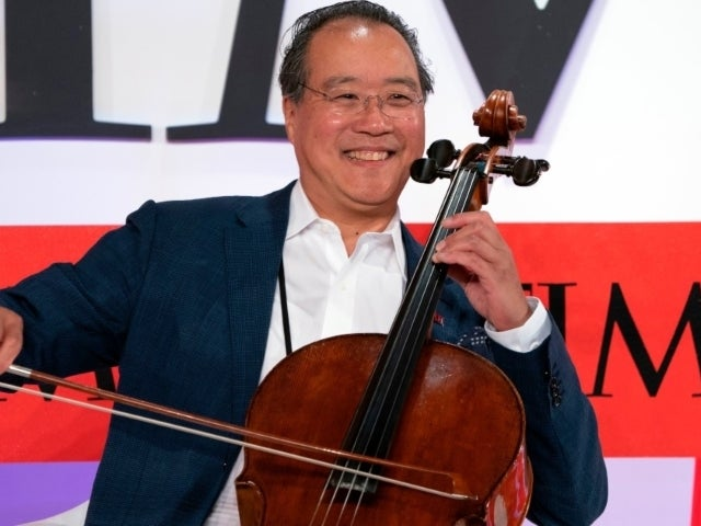 Yo-Yo Ma Goes Viral After Turning COVID Vaccine Waiting Period Into a Concert