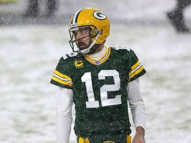 Aaron Rodgers Reportedly Wants Packers to Trade Him to 1 of 3 Teams