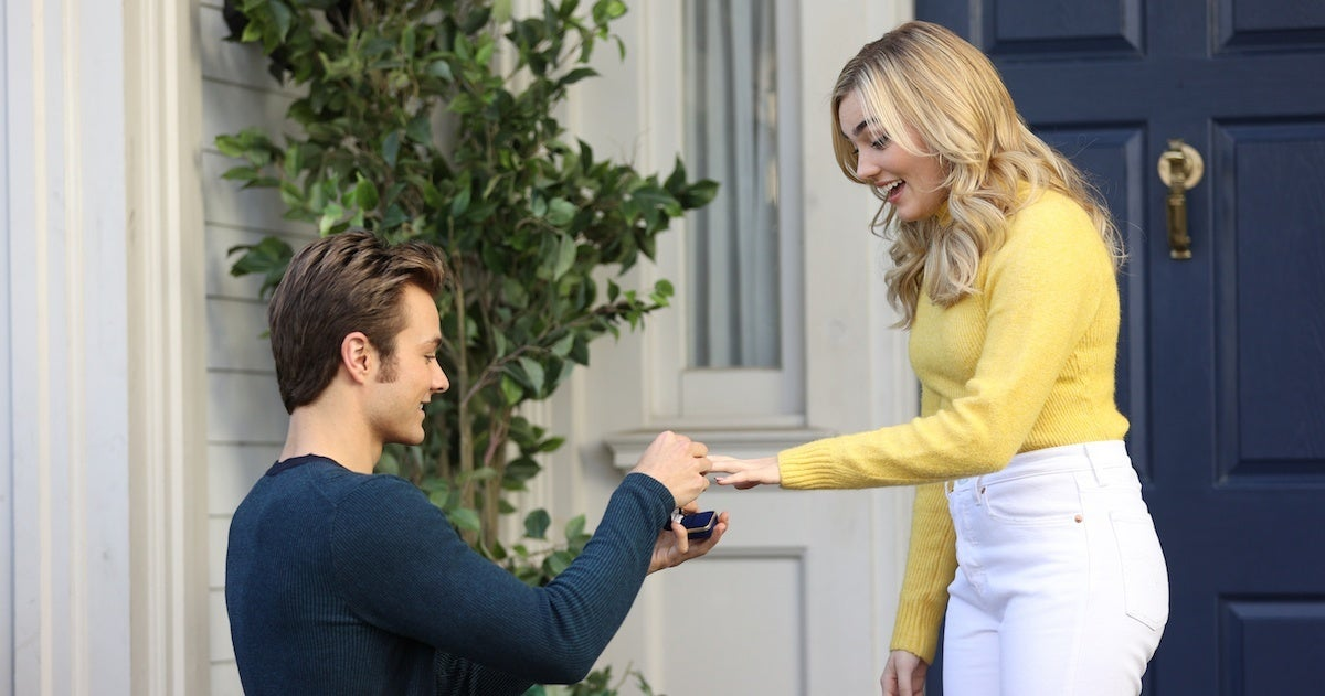 american-housewife-meg-donnelly-peyton-meyer