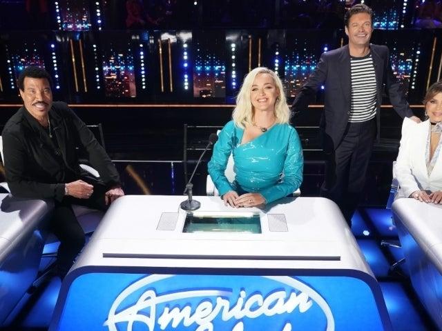 'American Idol' Slips in Heartwarming Tribute for Mother's Day During Coldplay Night