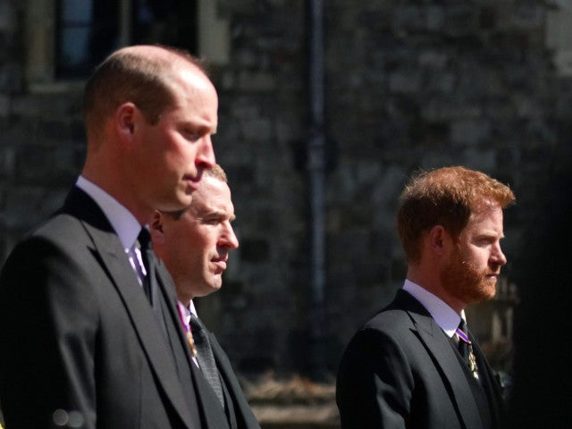 The Royal Family Member Playing 'Peacemaker' for Princes Harry and William Might Surprise You