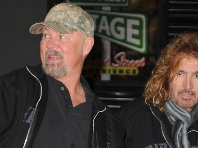 Lead Singer of Fan-Favorite '90s Country Band Suffers Broken Back