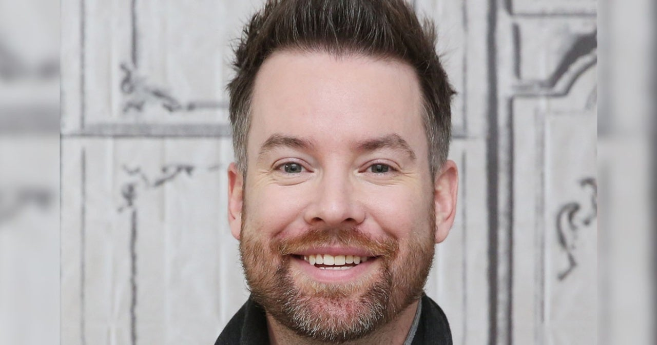 David Cook Lights the Way With Sharply, Nuanced EP 'The Looking Glass' (Review).jpg