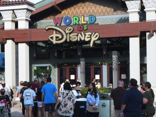 Disney Guest Explodes Over Temperature Check, Ruins '$15 Grand' Visit Amid Pandemic