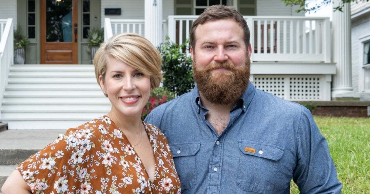 'Home Town' Star Erin Napier Reveals Who Actually Buys All Those Furnishings on The Show.jpg