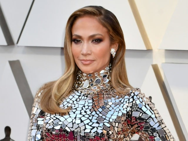 Jennifer Lopez Seemingly Shades Alex Rodriguez With Instagram Quote Following Split