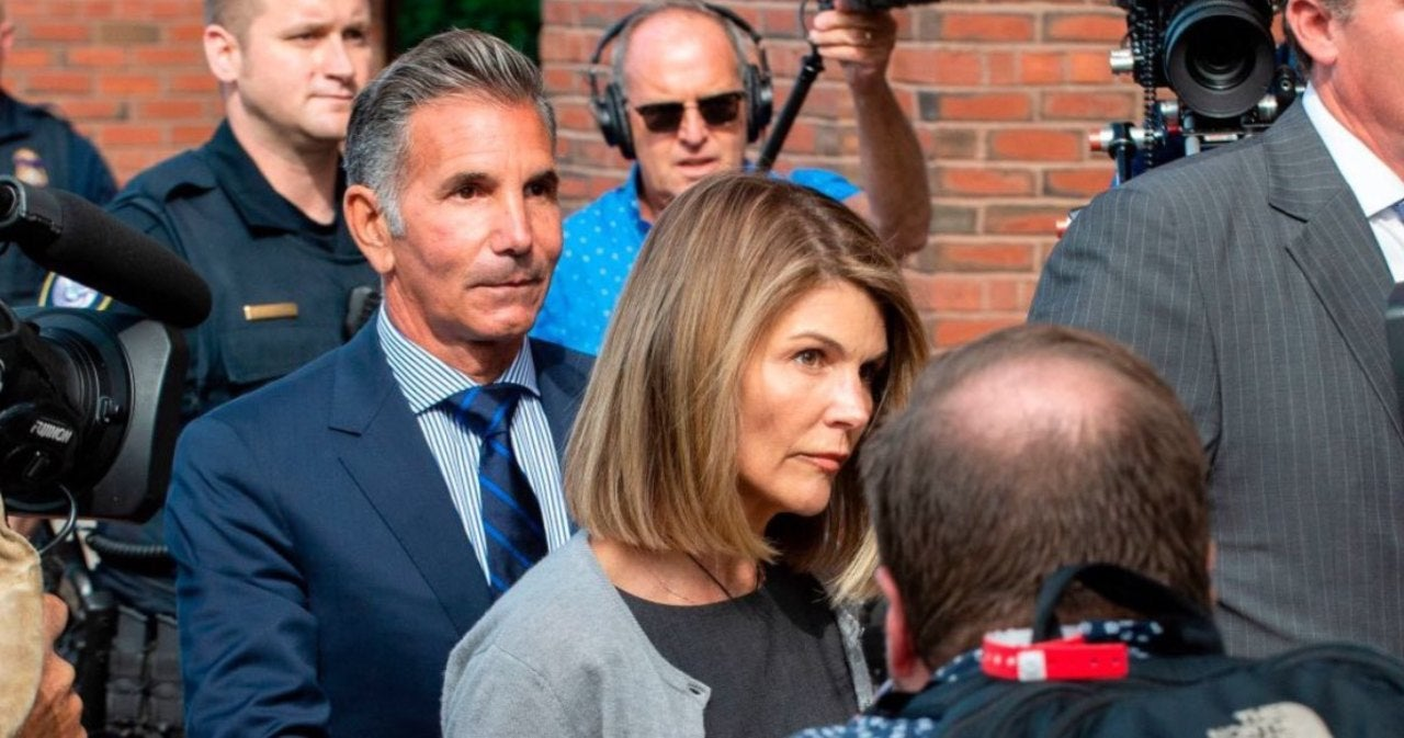 Lori Loughlin Reportedly Focused on Saving Marriage After Prison Stay.jpg