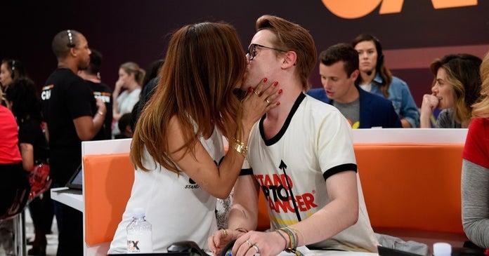 macauley-culkin-brenda-song-kiss-getty