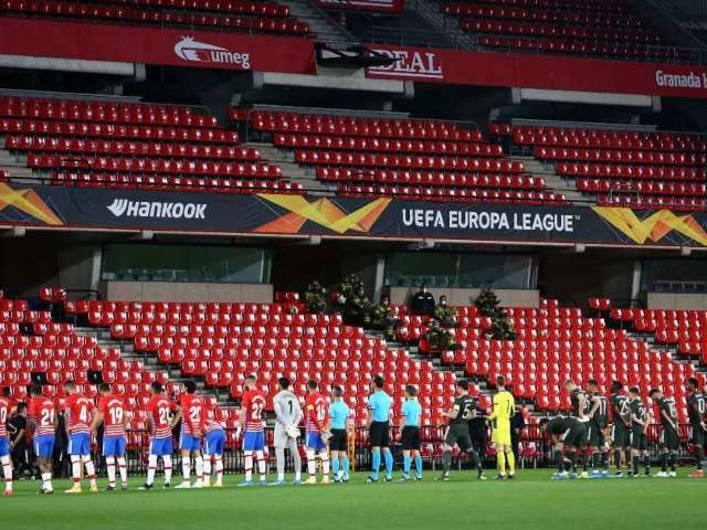 Manchester United-Granada Streaker Hid in Stadium for Hours Before Stunt
