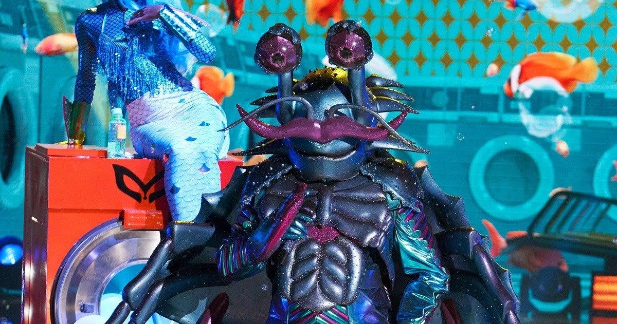 masked-singer-the-crab-fox