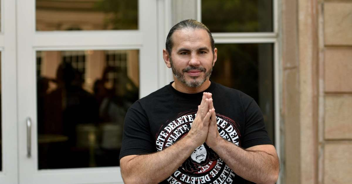 Matt Hardy announces death of father