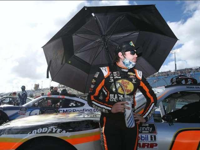 NASCAR: Xfinity Series Driver Wins $100K Bonus, Immediately Shows off Generosity