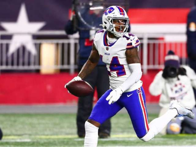 Stefon Diggs Sparks Concerns After G-Wagon Found Abandoned Near Miami Train Tracks