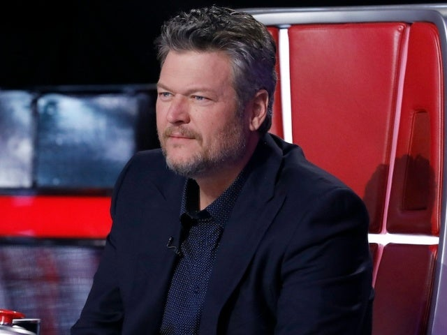 Blake Shelton Thinks Ariana Grande 'Could Be a Challenge' on 'The Voice'