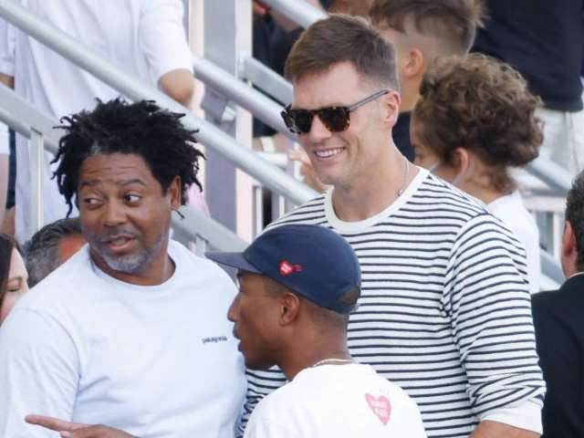 Tom Brady Appears at Tampa Bay Buccaneers Event in Wake of Knee Surgery