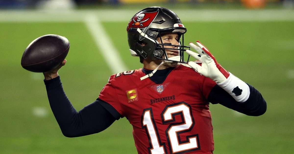 Tom Brady rookie card sells record amount