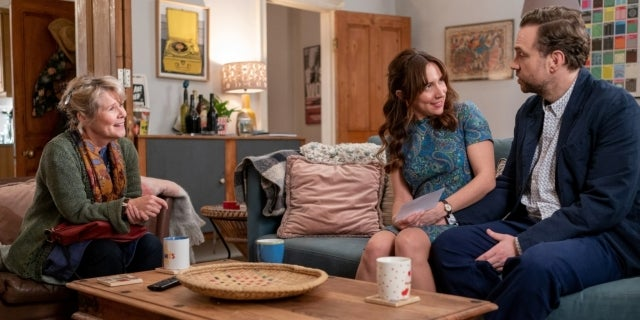 trying-apple-tv-plus-rafe-spall-esther-smith